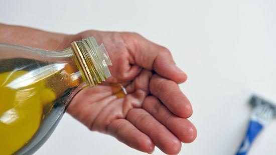 Bật mí cách tẩy lông bằng dầu oliu không gây hại cho da2