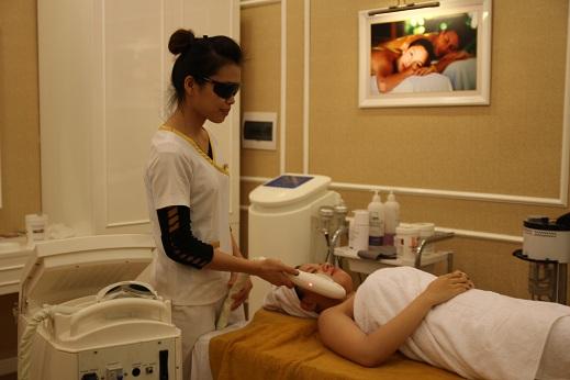 Ánh sáng New Elight - công nghệ triệt ria mép vĩnh viễn dễ dàng