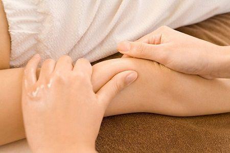liệu trình triệt lông chân vĩnh viễn