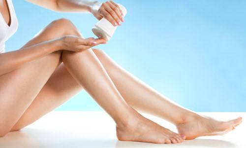 tẩy lông chân bằng dầu xả2